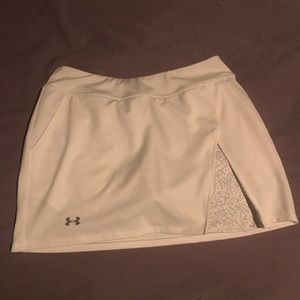 Under Armour like new tennis / running skirt